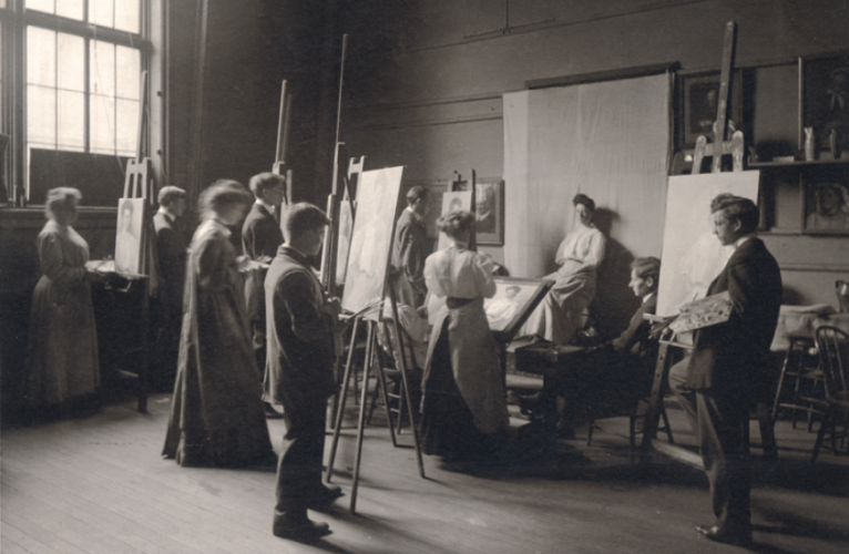 Women in a painting class at the School of the Fine Arts circa 1900.